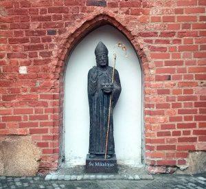 sv-mikalojaus-skulptura